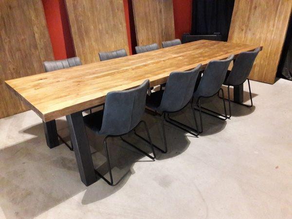 Massief teakhouten tafel 240 cm met metalen onderstel