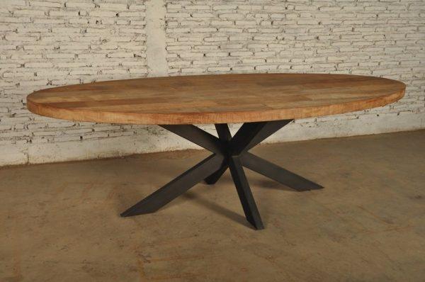 Ovale teakhouten tafel met metalen spinpoot 225 cm